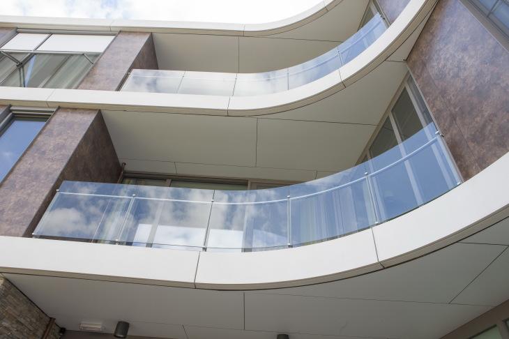 balustrade en verre maene concord courbé